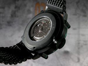 イタリア発のメンズ腕時計 SPILLO 裏スケ